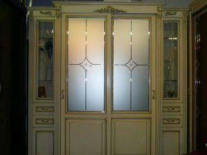 Классический шкаф купе массив с фацетными зеркалами и гравировкой Рубцовск
