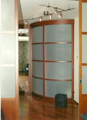 Радиусные двери на верхнем подвесе Рубцовск