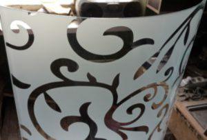 Стекло радиусное с пескоструйным рисунком для радиусных дверей Рубцовск