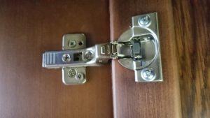 Петля для распашной двери с доводчиком Рубцовск